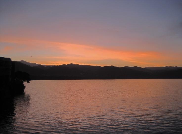 lake-kivu-1907805_1280.jpg