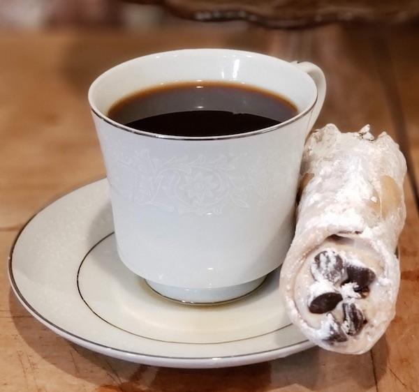cannoli&cup2.jpg